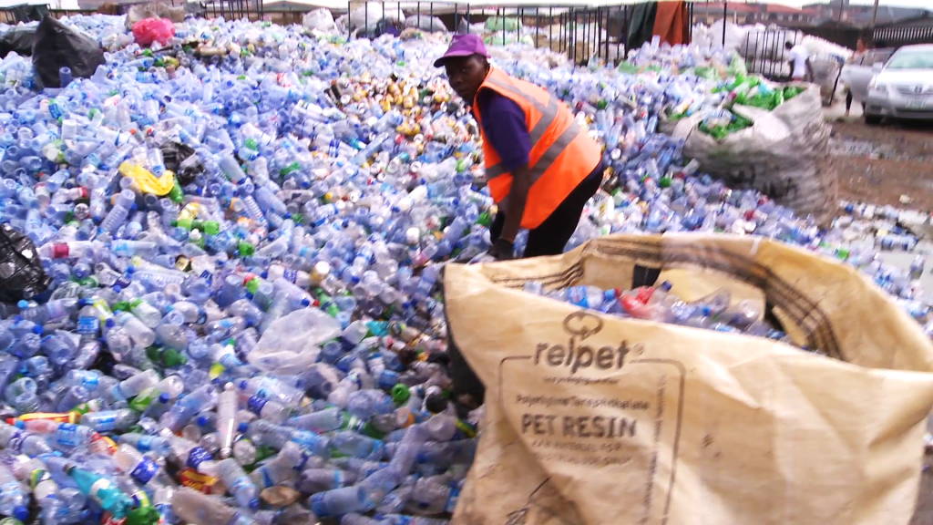 waste collection for recycling in Africa - www.videoblocks.com