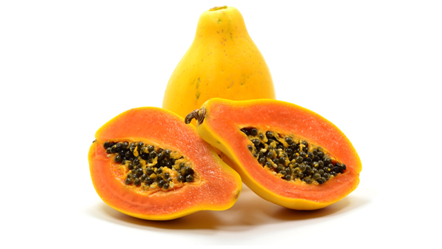 Pawpaw whole and halved. Credit - weknowyourdreams.com